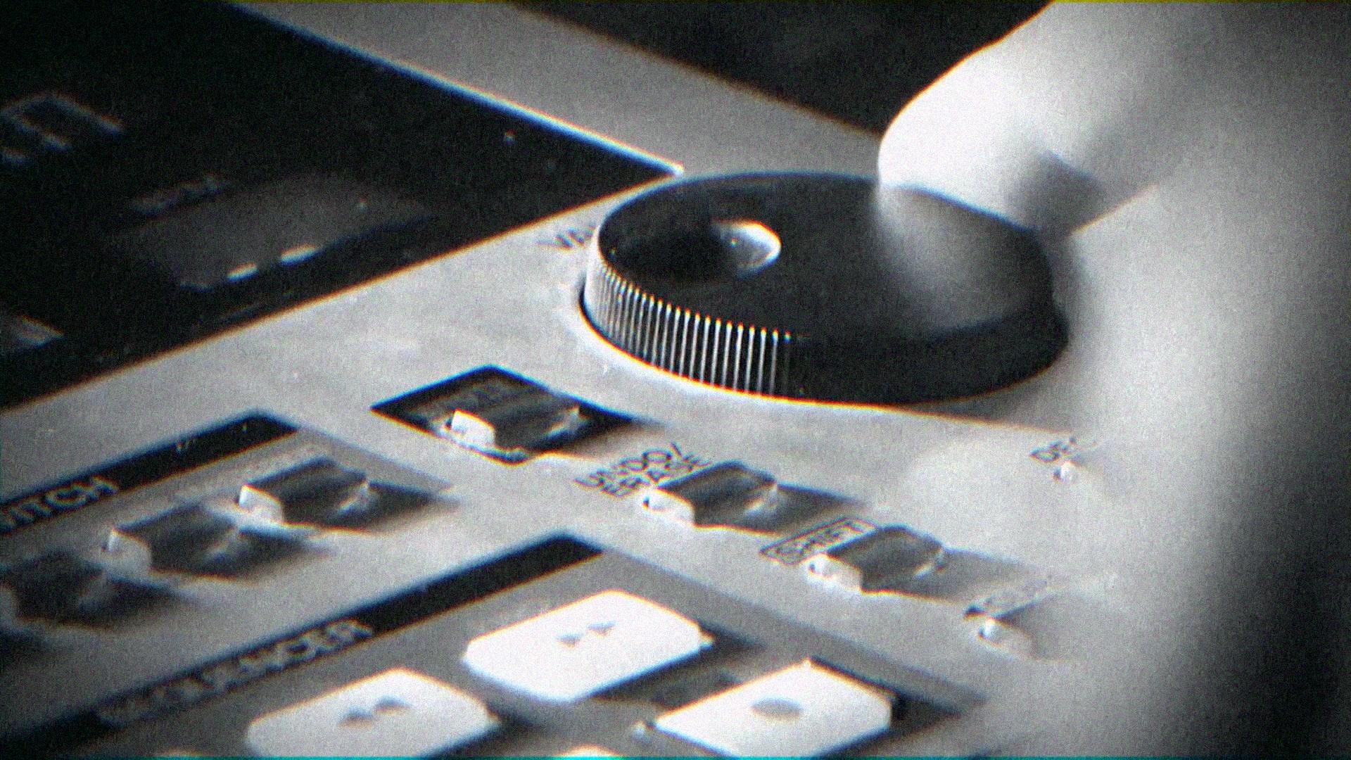 videospot pre hudobné nástroje Roland